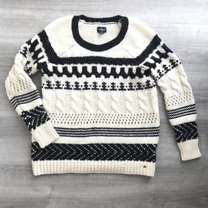 American Eagle White Nordic Cable Knit Sweater M